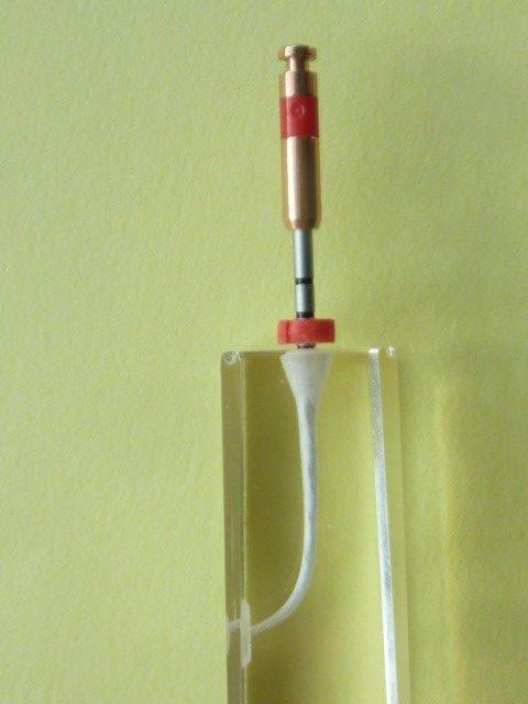 ganzheitliche Zahnheilkunde Dr. Heike Kretschmar - sehr biegsame und bruchsichere Titaninstrumente